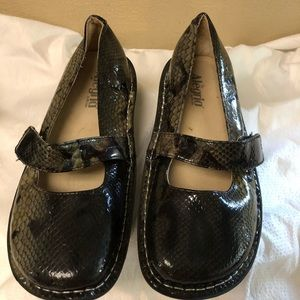 """Alegria """"snake skin """" looking Leather Shoes"""
